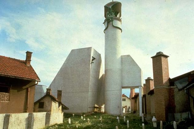 Sherefuddin's White Mosque in Visoko (at the time an integral part of Yugoslavia) presented a modern projection of a long-standing Muslim community's presence in a socialist country. The design of the new mosque was initially regarded as representing a rupture with tradition, though its members eventually came to accept the building with pride as an important landmark in the town.