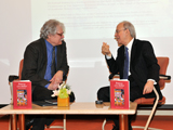 Dr Farhad Daftary engages in an on-stage discussion with Dr Derryl MacLean in Vancouver, Canada. Photo: Sultan Bhaloo.