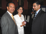 President Amin Mawji, Gulnar Mawji and participant in conversation at the formal dinner Summer Programme on Islam IIS 2011.