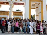 Alumni and Staff at the botanical gardens IIS 2011.