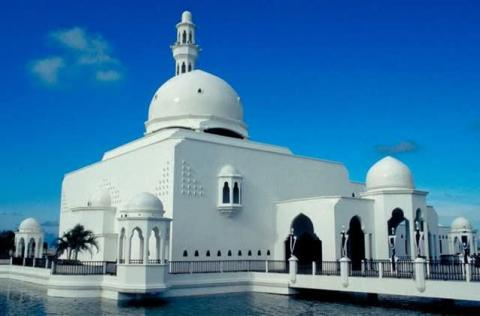 "Affectionately known as ""the floating mosque"", as it gives the impression of floating on water, Tengku Tengah Zaharah Mosque, named after the present Sultan of Malaysia's mother lies on the estuary of the Terengganu River. The mosque was built in September 1991 and can accommodate between 800 and 1000 worshippers at one time."