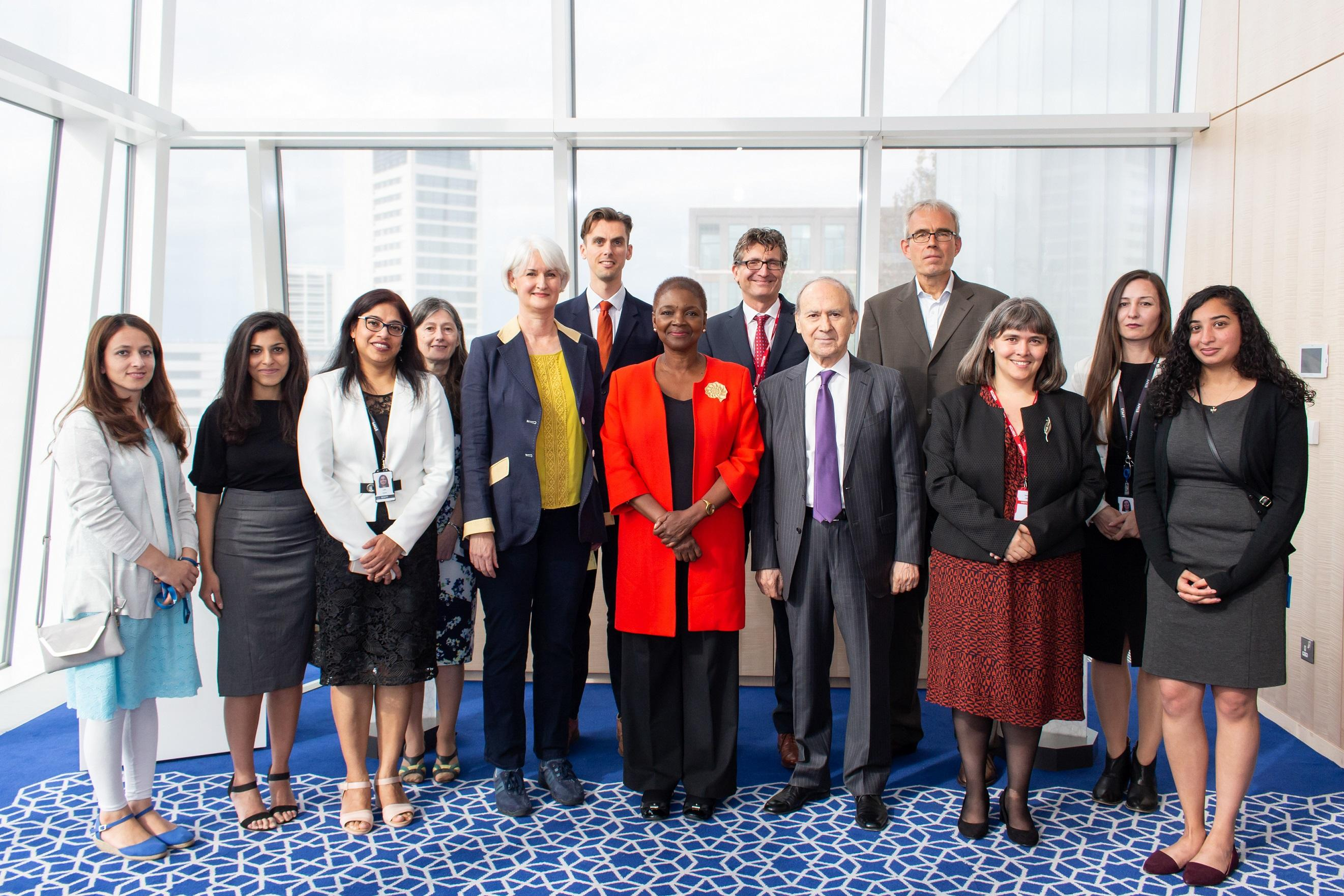 Leadership and faculty from the IIS and SOAS with students of the graduate programmes.